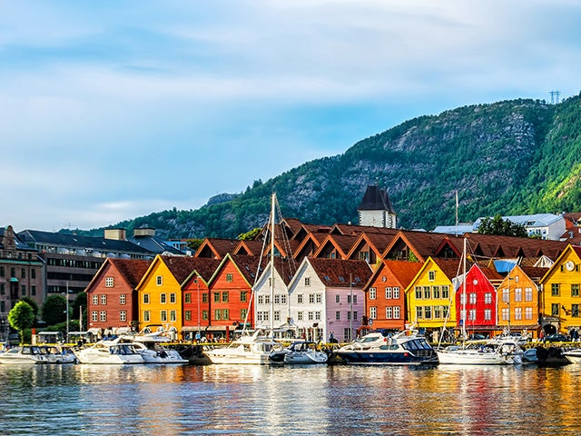 Book your flight to Bergen with eDreams