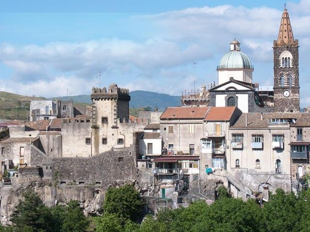 Book your flight to Catania with eDreams