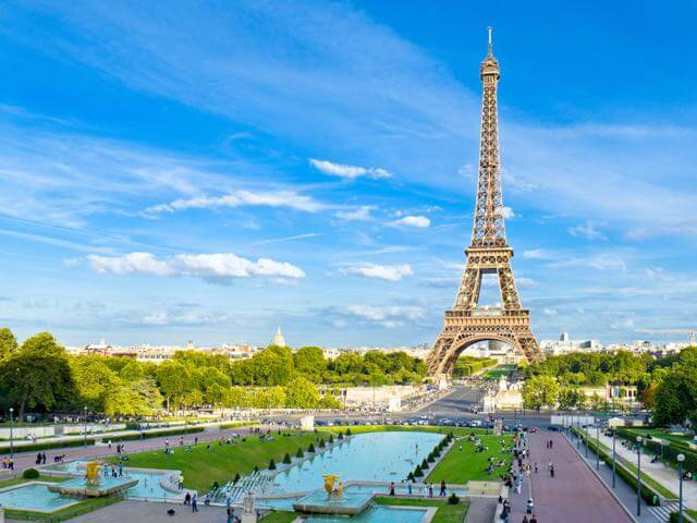 Book your flight to Paris with eDreams