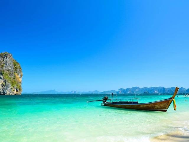 Book your flight to Phuket with eDreams
