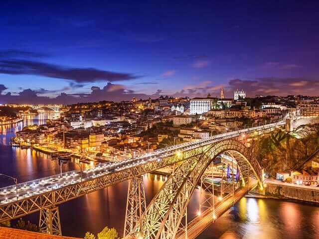Book your flight to Porto with eDreams