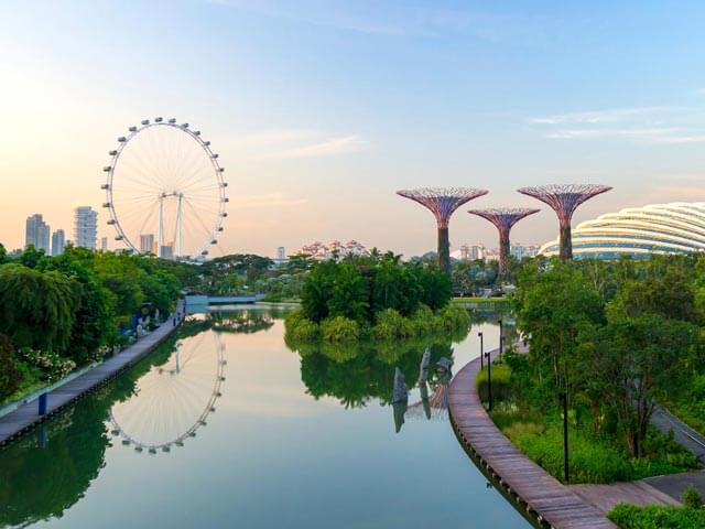 Book your flight to Singapore with eDreams