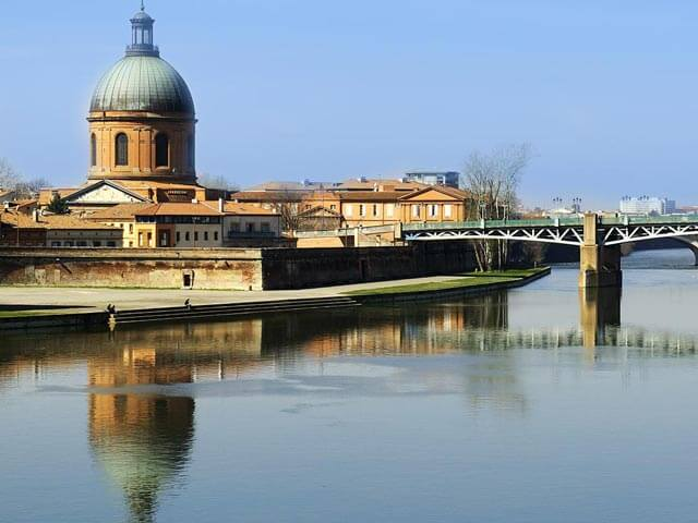 Book your flight to Toulouse with eDreams